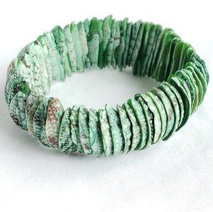 Shell bangle bracelet
